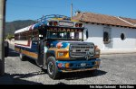 Autobús en Antigua, Guatemala